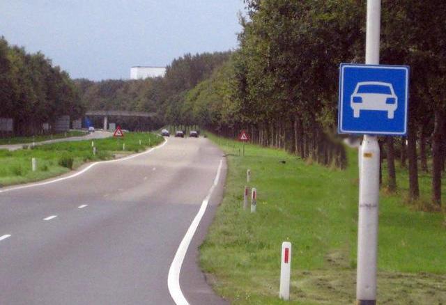 Hoeveel kilometer per uur mag je hier maximaal rijden?