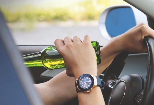 Je bent een beginnend bestuurder. bij een alcoholcontrole blijkt dat je ademalcoholgehalte 250 microgram per liter (0,57‰) is. kan het cbr een educatieve maatregel opleggen?