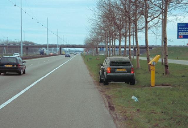staat de auto hier correct opgesteld?