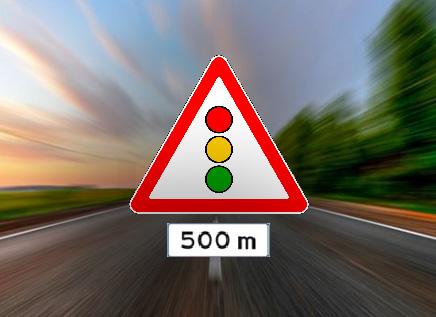 Waarvoor waarschuwen deze twee verkeersborden?