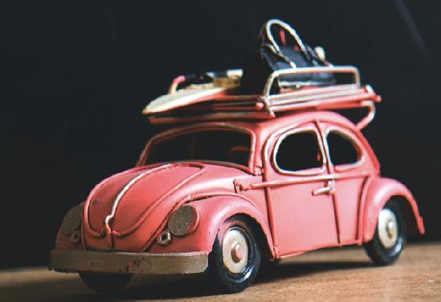 Op het dak van je auto vervoer je lading. hoeveel mag de lading achter de auto uitsteken?