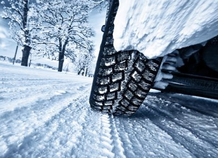 Beneden welke buitentemperatuur is het al verstandig om met winterbanden te rijden?